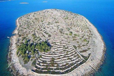 جزيرة بصمة الإصبع الغريبة في كرواتيا