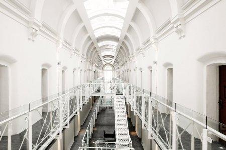 زنزانات السجن التي تحولت لغرف