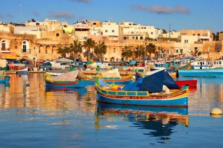 قوارب يعيش بها سكان مالطا