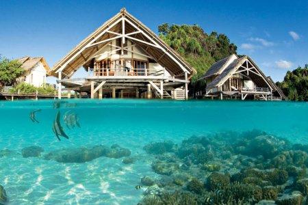المنازل فوق المياه فى إندونيسيا