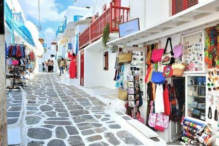 التسوق في جزيرة ميكونوس