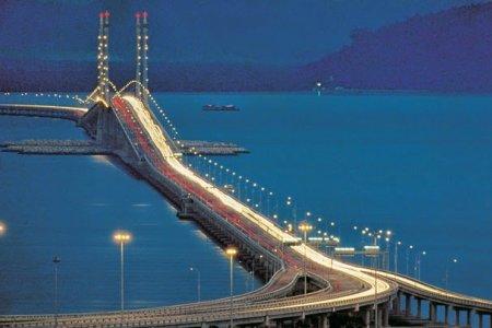 جسر بينانج  في جزيرة بينانج ماليزيا