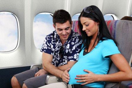 نصائح السفر جوًا للنساء الحوامل