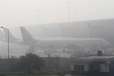 اضطراب حركة الطيران بسبب سوء الاحوال الجوية