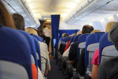طائرة Transavia Airlines تهبط اضطراريا