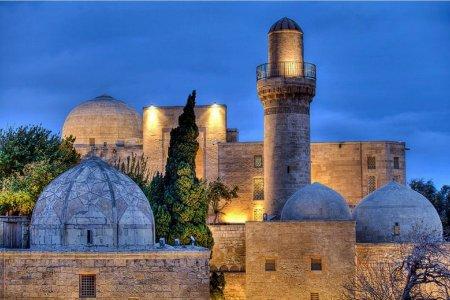 قصر شيرفانشاهس