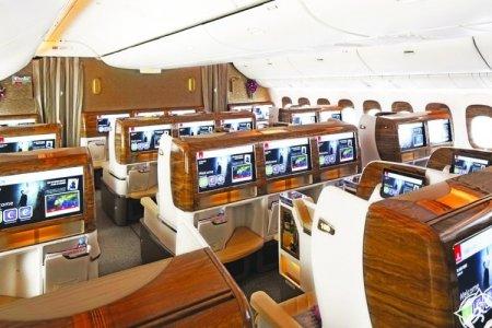 الراحة والرفاهية في مقصورة طيران الامارات