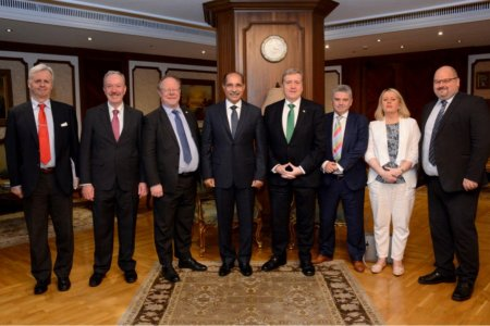 اجتماع وزير الطيران المدني مع وزير التجارة الأيرلندي والوفد المرافق له