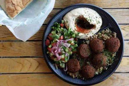 مطعم Joe's Falafel