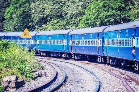 القطار في الهند