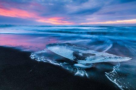 الغروب في شاطئ الماس آيسلندا