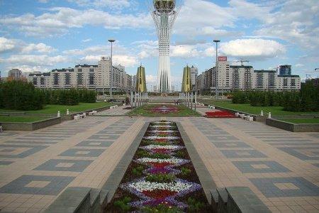 مشهد أمامي لرج باتريك الرمز الجديد لمدينة أستانة في كازخستان