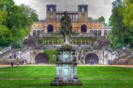 قصر سانسوسي في بوتسدام ألمانيا