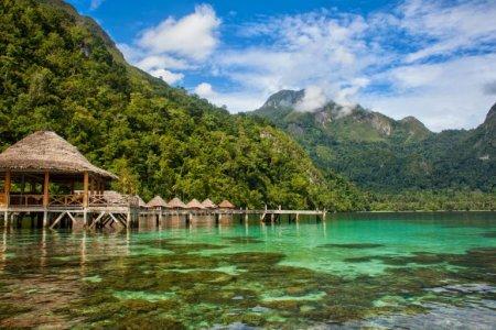 جزيرة مالوكو في إندونيسيا
