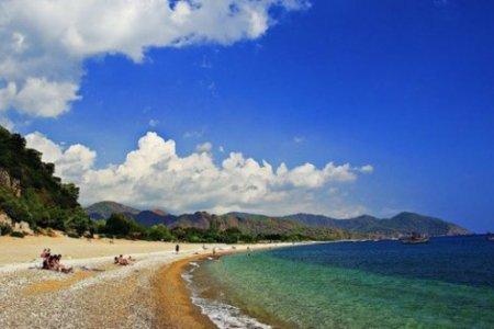 شاطئ سيرالي في أنطاليا
