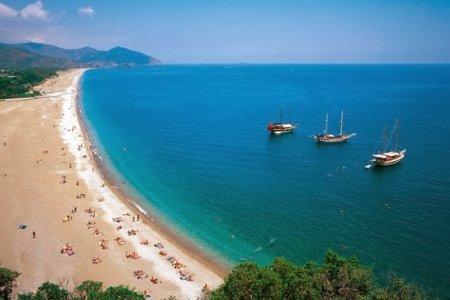 شاطئ أوليمبوس في أنطاليا