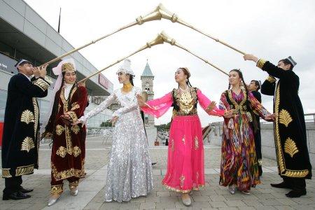 الزي التقليدي في أوزبكستان