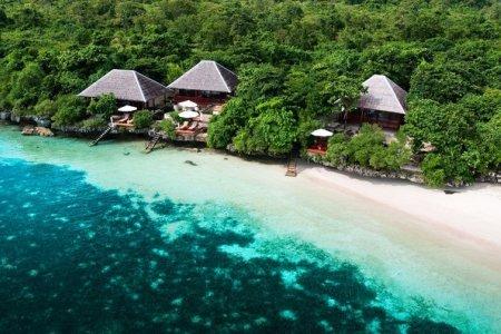 جزر واكاتوبي في إندونيسيا