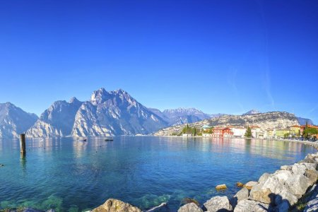 بحيرة غاردا إيطاليا