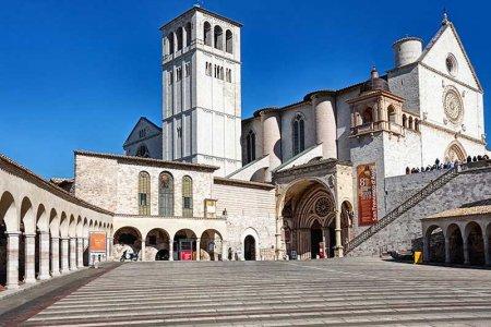 كنيسة القديس فرانسيس في أسيزي