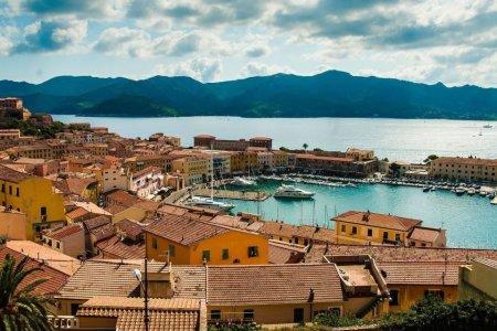 روعة مدينة ليفورنو الإيطالية