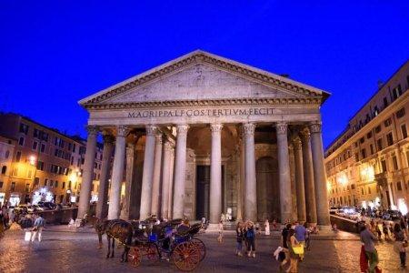 معبد البانثيون في روما