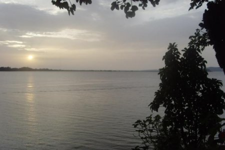 الشروق في بحيرة تانا