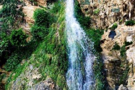 شلال الدهناء بمدينة تنومة