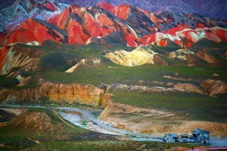 جبال دانكسيا بالصين