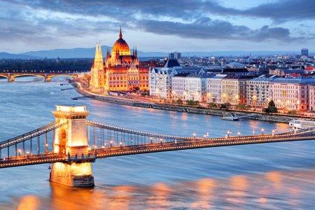 جسر بودابست المعلق