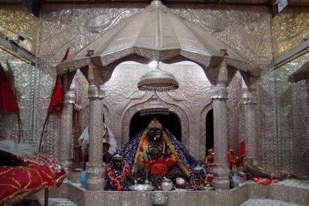 معابد باتان ديفي في مدينة باتنا بالهند