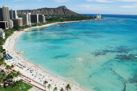 جزيرة هونولولو عاصمة ولاية هاواي الأمريكية