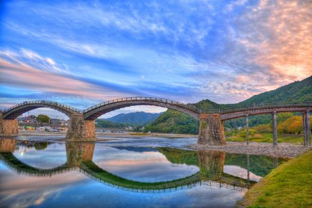 الغروب علي جسر القوس