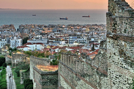 الغروب في مدينة سالونيك باليونان