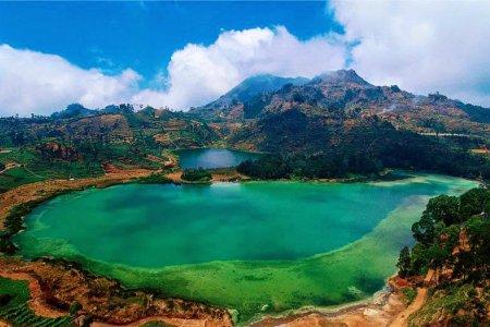 بحيرة الألوان telaga warna