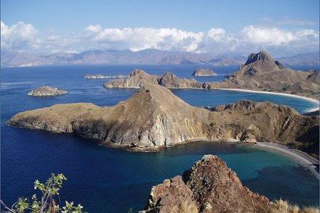 جزيرة فلوريس إندونيسيا