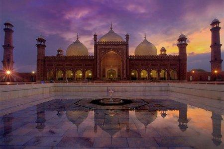 مسجد بادشاهي