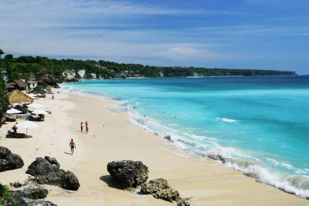 شاطئ كوتا في بالي - إندونيسيا
