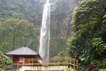 شلال سيماهي في باندونق - إندونيسيا