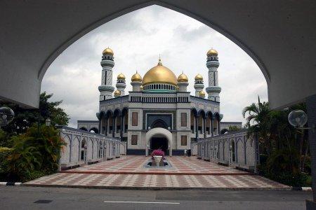 جامع السلطان حسن بلقيه العصري في سلطنة بروناي