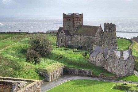 قلعة دوفر في انجلترا