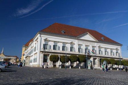 قصر ساندرو أو قصر الرئاسة الهنغاري