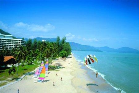 شاطئ باتو فرنجي في ماليزيا