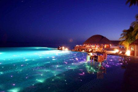 شاطئ فادهو في جزر المالديف