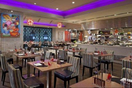 مطعم Carousel Buffet
