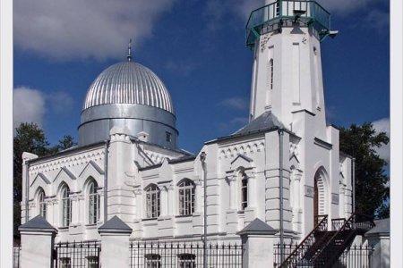 المسجد الابيض في مدينة تومسك روسيا