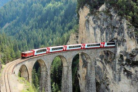 سحر الوادي من القطار في بونتريسينا