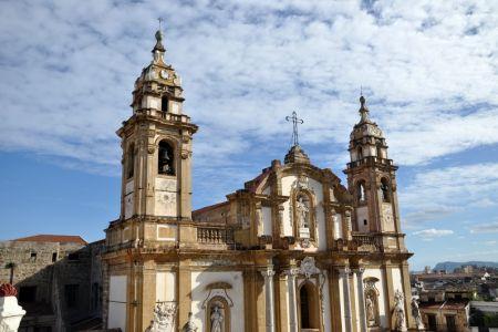 كنيسة باليرمو في صقلية - إيطاليا