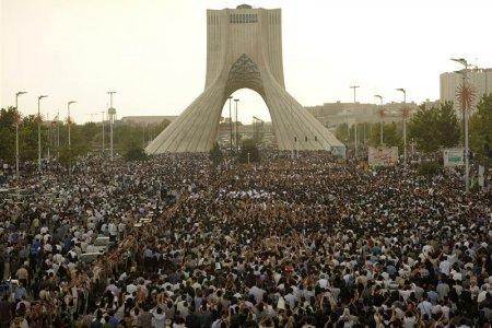 برج آزادي في طهران إيران