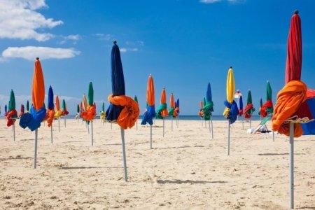 شواطئ دوفيل في فرنسا